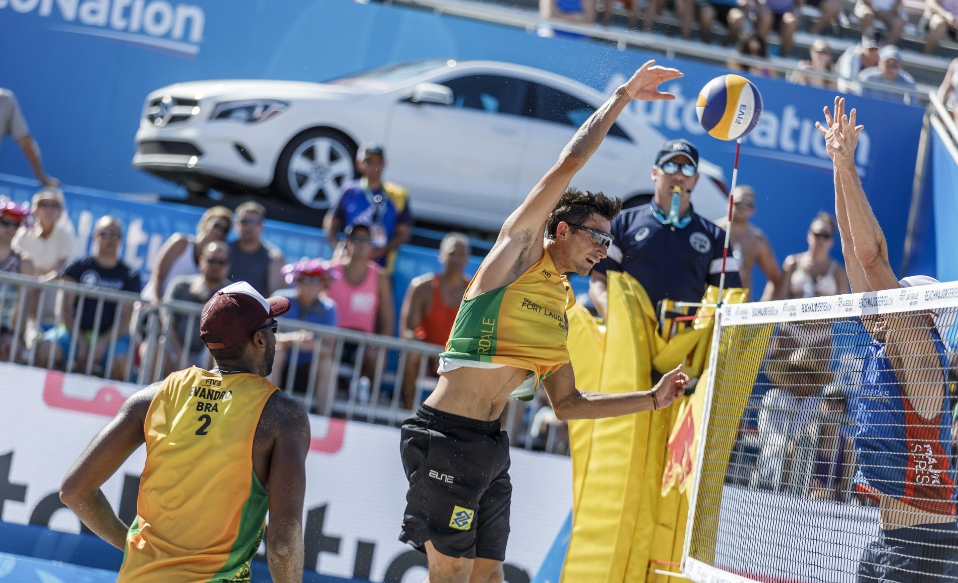 World Champions Evandro/Andre are in action early on day four of the Fort Lauderdale Major