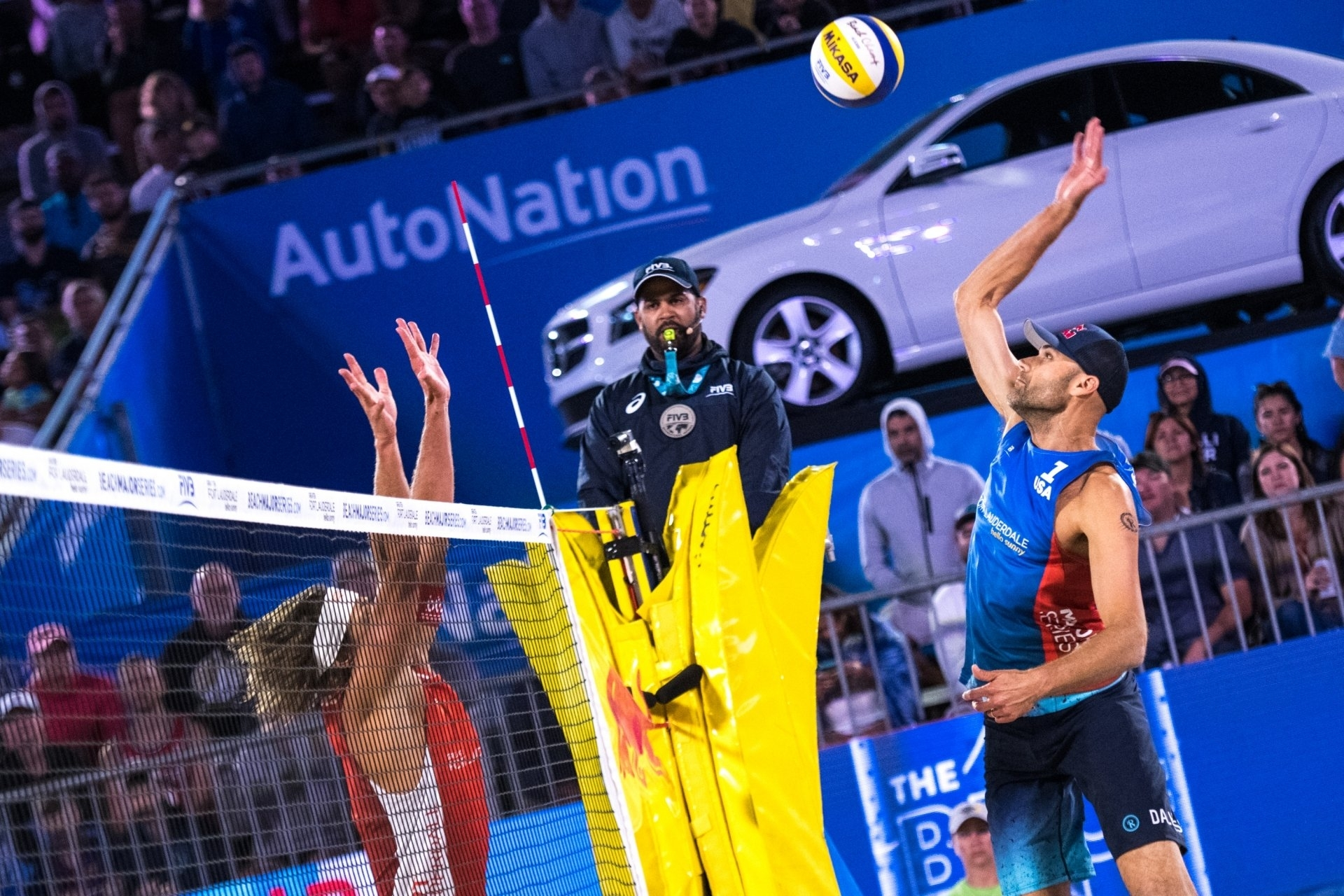 The USA's Phil Dalhausser (right) went onto win gold in Fort Lauderdale in 2018