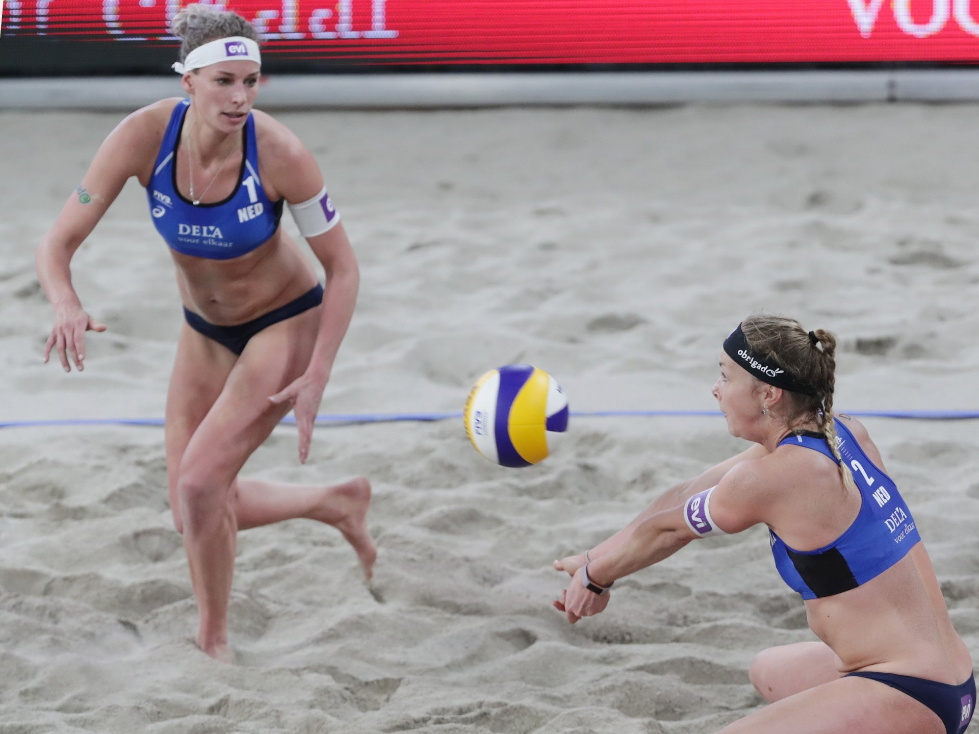 Keizer (left) and Meppelink kicked off their 2018 season with a 17th place in The Hague (Photocredit: FIVB)